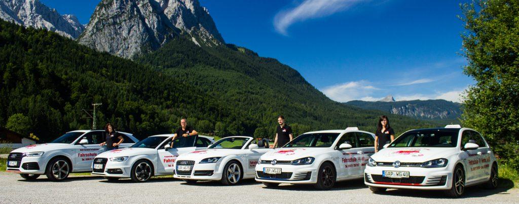 Bild Autos mit Team Fahrschule Werner Gröbl
